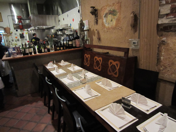 Novecento Pasta & Grill (Photo from Valentino Herrera at www.TrippyFood.com)